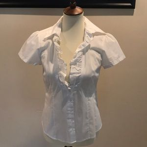 Very cute white short sleeve blouse size m